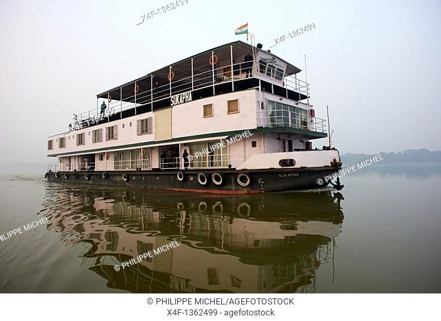 India, West Bengal, Sukapha boat on the Hooghly river, part of Ganges river