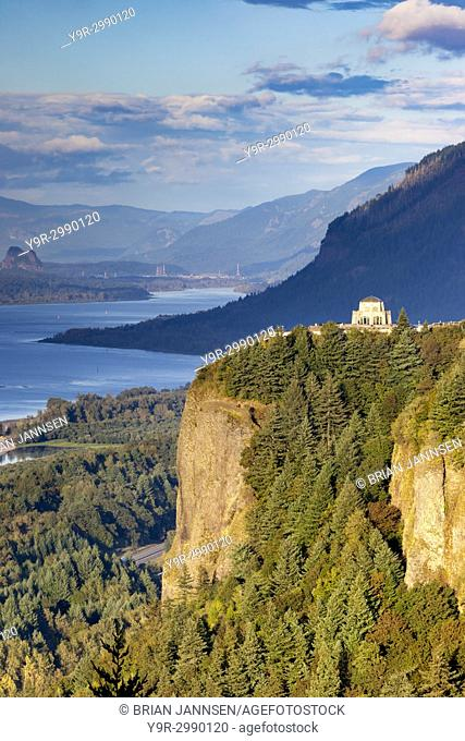 Overlooking the Vista House and the Columbia River Gorge, Oregon USA