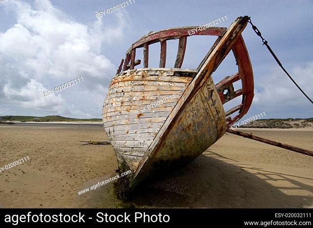 Altes Schiff in Irland