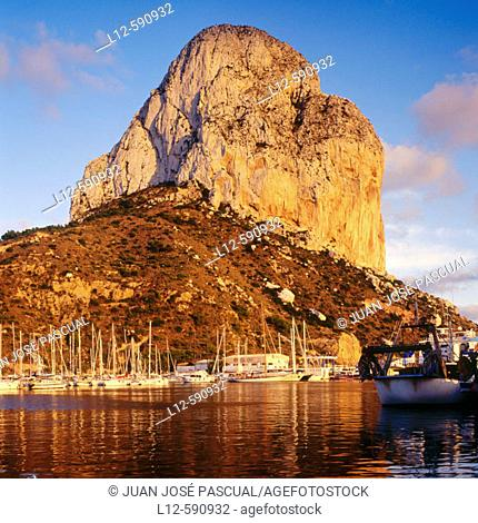 Peñón de Ifach (Ifach Rock). Calpe. Costa Blanca. Alicante province. Comunidad Valenciana. Spain