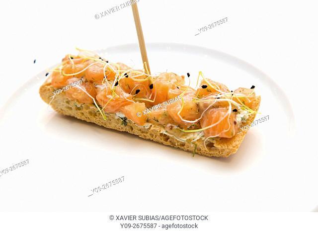 Montadito de salmon