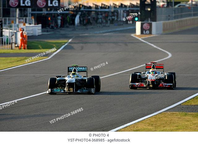 Race, Nico Rosberg GER, Mercedes GP Petronas F1 Team, MGP W02 and Lewis Hamilton GBR, McLaren Mercedes, MP4-26, F1, Japanese Grand Prix, Suzuka, Japan