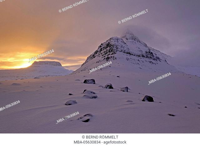 Iceland, west fjords, mountain landscape and fjord scenery in the Alftafjördur close Sudavik