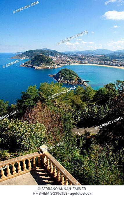Spain, Basque Country, Guipuzcoa province (Guipuzkoa), San Sebastian (Donostia), European capital of culture 2016, La Concha Beach from Monte Igueldo and Santa...