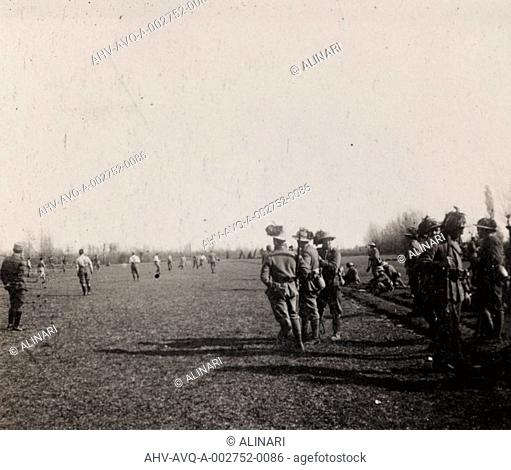 Album of the First World War in Friuli-Venezia Giulia: sharpshooters and soldiers during the football, shot 07/04/1916