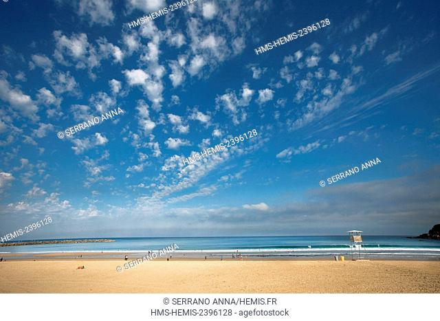 Spain, Basque Country, Guipuzcoa province (Guipuzkoa), San Sebastian (Donostia), European capital of culture 2016, Zurriola Beach