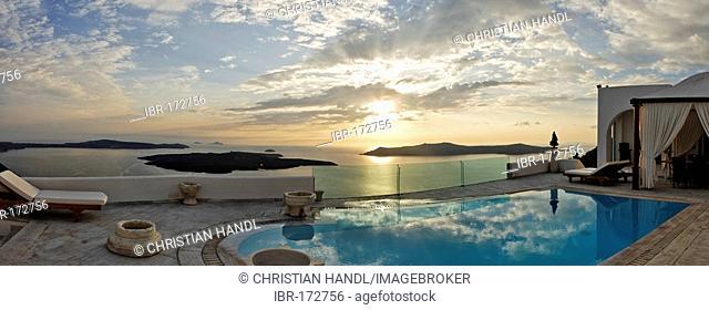 Luxury suite of a hotel with swimmingpool, Firostefani, Santorini, Greece
