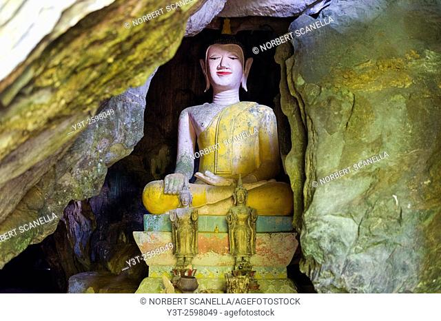 Asia. South-East Asia. Laos. Province of Vang Vieng. Buddha hidden in the Tham Sang Caves
