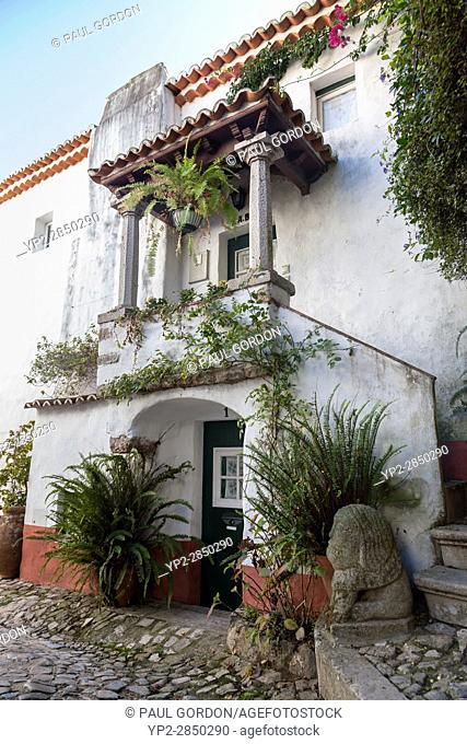 Óbidos, Portugal: Rustic home in the old village