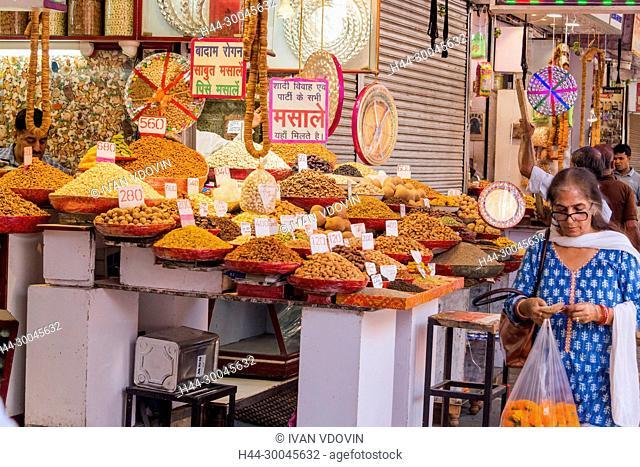 Food market, New Delhi, India