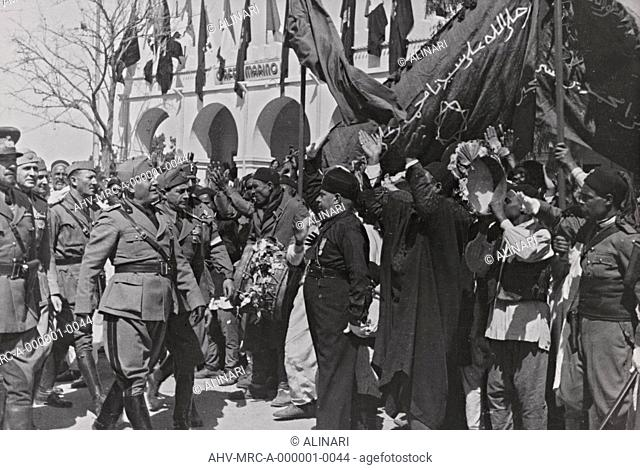 Album Duce : Benito Mussolini, Italo Balbo and Achille Starace meet the delegation of the Association of Muslim Littorio, shot 1934