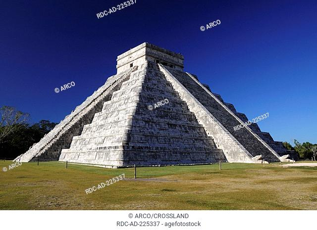 El Castillo, Kukulkan pyramid, Chichen Itza, Yucatan, Mexico, Yukatan