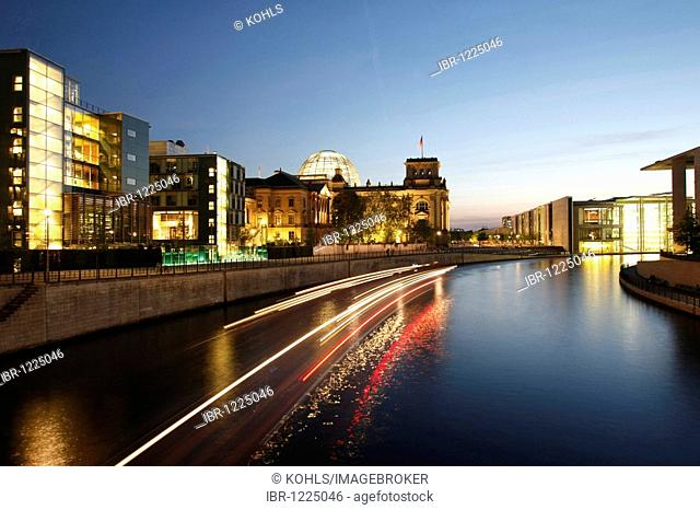 Reichstag building at twilight, Government District, Berlin, Germany, Europe