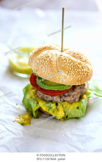 Hamburgers with avocado and mango cream