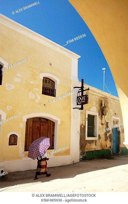 Ilha Mozambique Street Scene