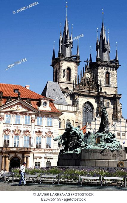 Jan Hus Memorial and Tyn church in Staromestske Namesti (Old Town Square), Prague, Czech Republic