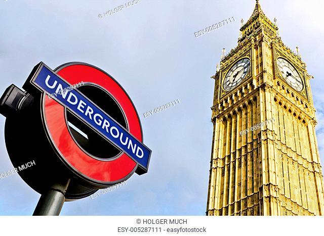 London Big Ben mit Zeichen Underground
