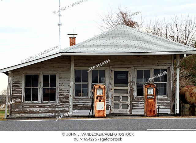 An old gas station on a road in North Carolina, USA