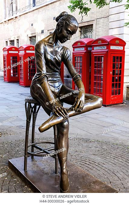 England, London, Covent Garden, The Royal Opera House, Bronze Statue titled Young Dancer by Enzo Plazzotta