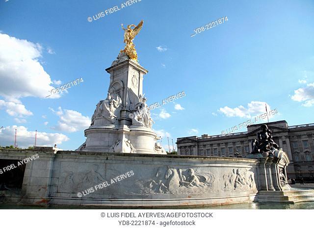 Queen Victoria Memorial, London, UK