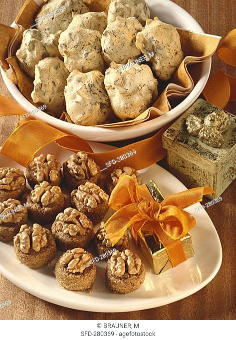 Walnut cookies and wasp nest cookies
