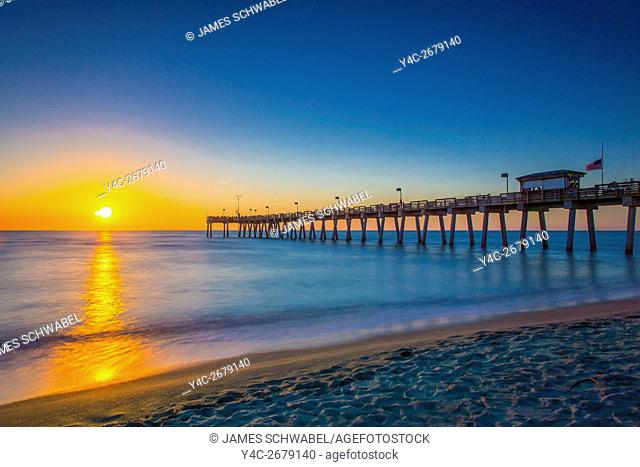 Sunset over Gulf of Mexico and Venice Pier in Venice Florida