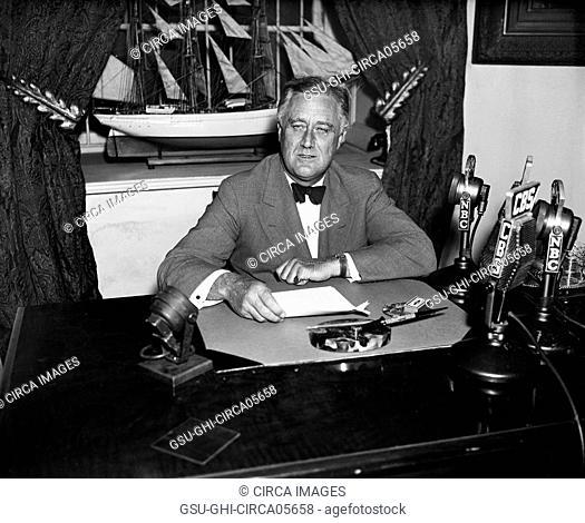 U.S. President Franklin Roosevelt Delivering Radio Speech at his Desk, White House, Washington DC, USA, Harris & Ewing, 1935