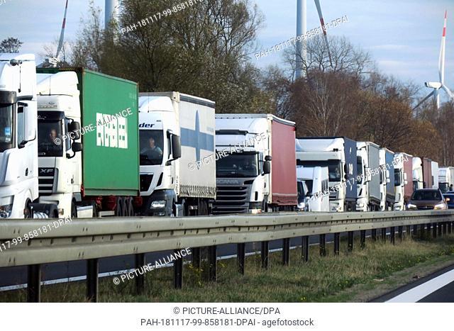 31 October 2018, Brandenburg, Münchehofe: Trucks are stuck in traffic on the A24 motorway. Photo: Soeren Stache/dpa-Zentralbild/ZB