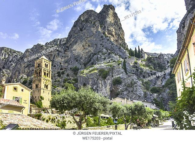 village Moustiers-Sainte-Marie, Provence, France, member of most beautiful villages of France, department Alpes-de-Haute-Provence