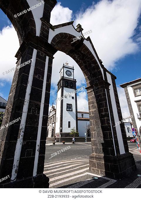 Portas da Cidade Square, Ponta Delgada, São Miguel Island, Azores, Portugal