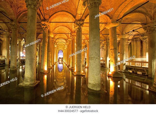 Yerebatan Sarnici , Sunken Palace Cistern, Istanbul, Turkey , Europe