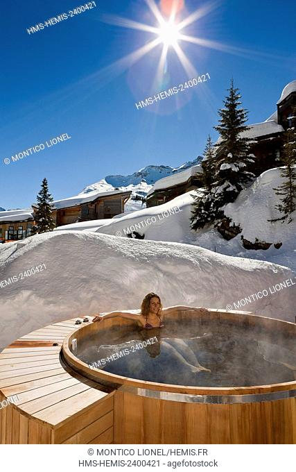 France, Haute Savoie, Avoriaz, the Hotel of Dromonts, woman in the spa