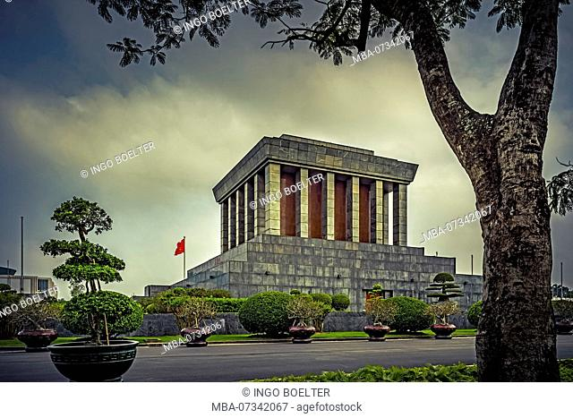Ho Chi Minh Mausoleum, Hanoi, Vietnam, Southeast Asia, Asia