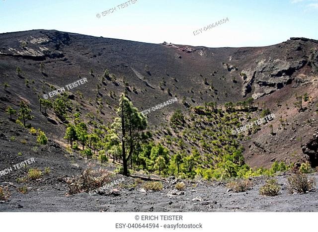 hike at volcan san antonio,fuencaliente,la palma,canary islands,spain,los canarios
