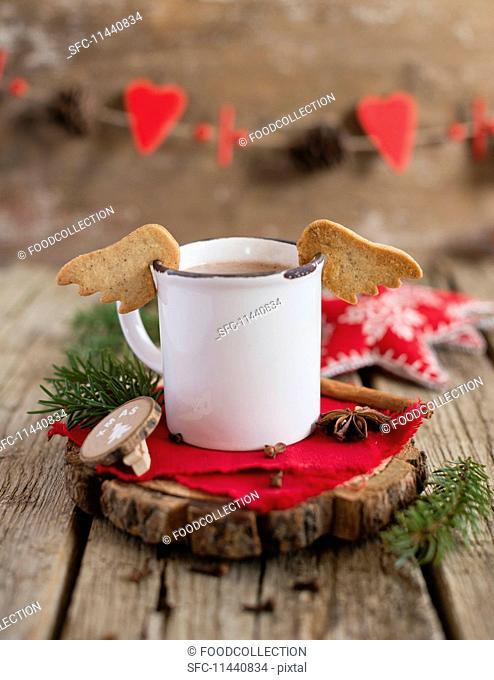Angel's wings sables on an enamel mug (Christmas)
