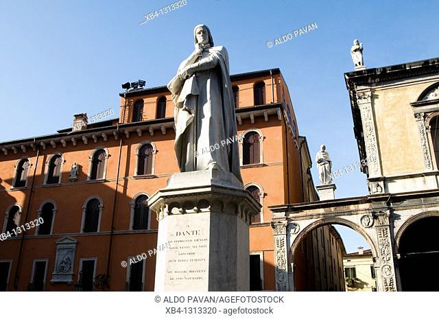 Italy, Verona, Signori square, statue of Dante Alighieri