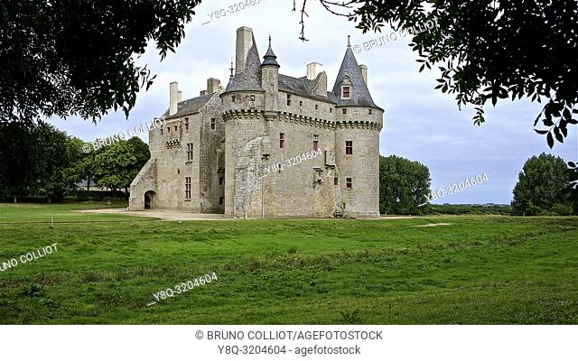 castle of Kerouzere, Sibiril, finistère, brittany, france