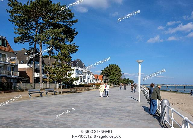 Beach promenade, Travemünde, Lübeck, Schleswig-Holstein, Germany