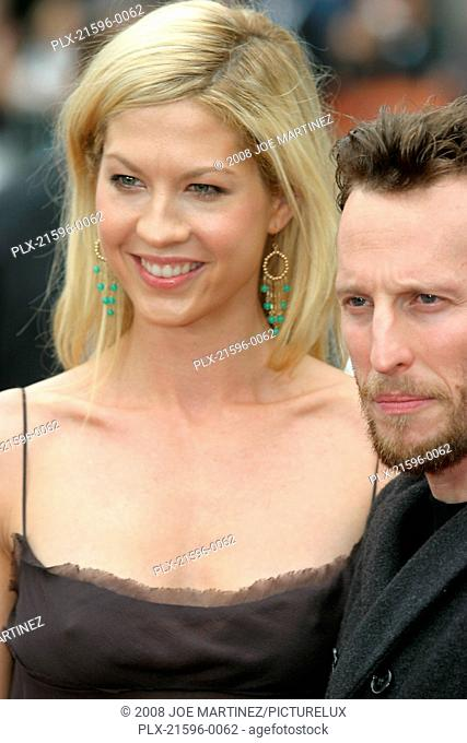 Looney Tunes: Back in Action Premiere 11-9-2003 Jenna Elfman and husband Bodhi Photo by Joe Martinez
