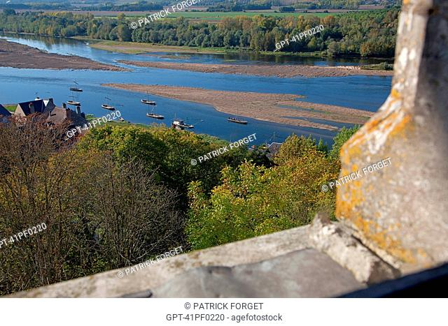 'GABARES', WOODEN BOATS NAVIGATING THE LOIRE, SEEN FROM THE CHATEAU OF CHAUMONT-SUR-LOIRE, LOIR-ET-CHER 41, FRANCE