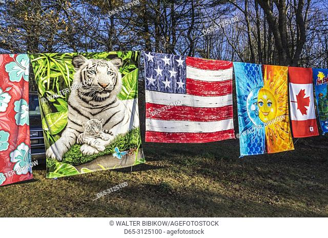 USA, New England, New Hampshire, Seabrook, beach towels for sale