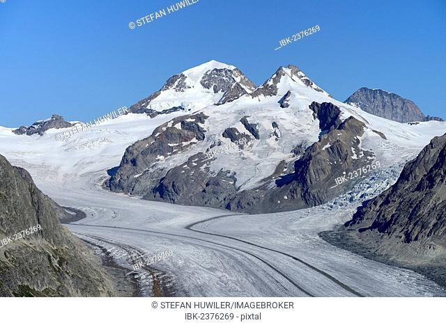 Great Aletsch glacier, behind Mt. Eiger, Mt. Moench and Mt. Jungfrau, UNESCO World Heritage Site Swiss Alps Jungfrau-Aletsch, Goms, Valais, Switzerland, Europe