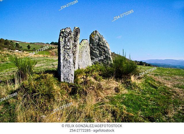 Dolmen de Pedras Dereitas, Montouto, Lugo, Galicia, Spain