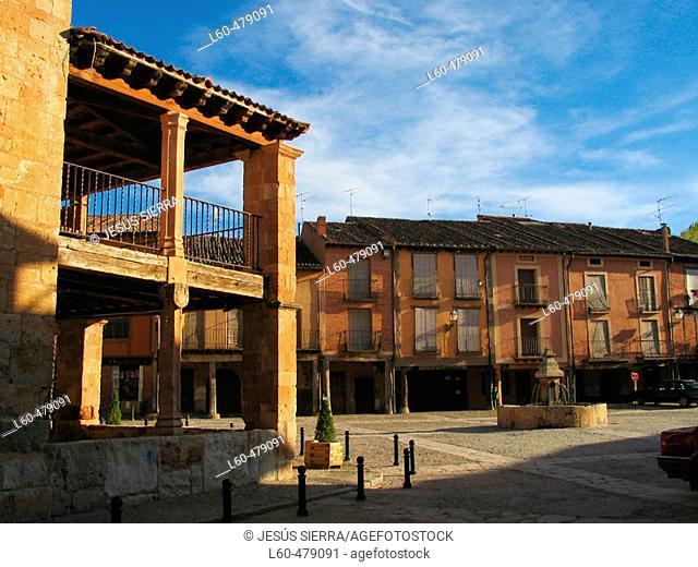 Square. Ayllón. Segovia province. Castilla y Leon. Spain