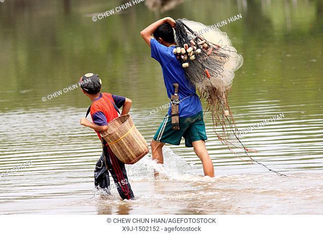 Net fishing, Pueh village, Lundu Division, Sarawak, Malaysia, Borneo