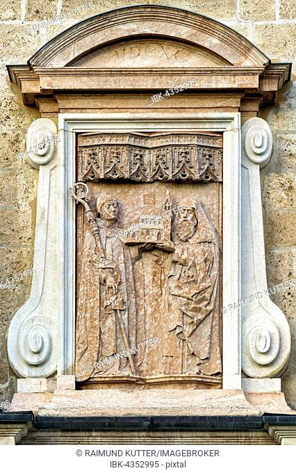 Grave stone of the monastery founders Adalbert and Otkar above the portal of the basilica of St. Quirin, sculptor Hans Haldner