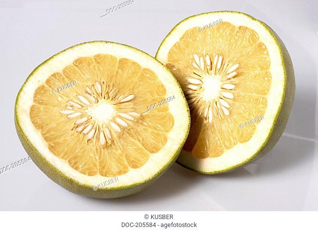 fruit - grapefruit like .. pomelo - pommelo - pumelo - pummelo