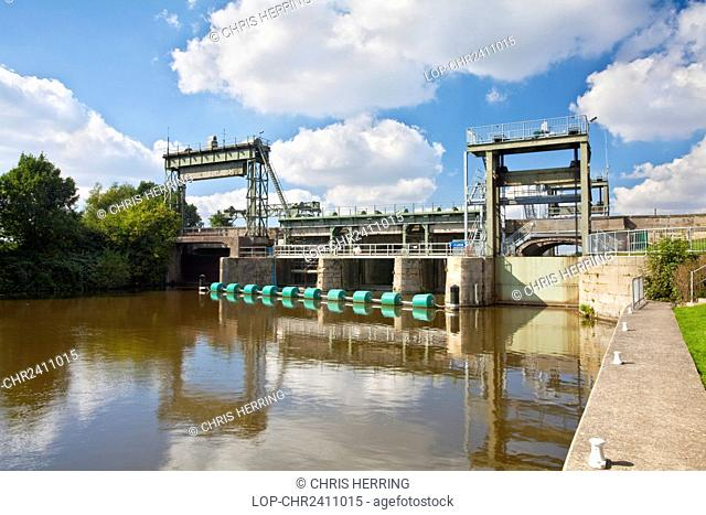 England, Norfolk, Denver. Part of the Denver Sluice on the River Great Ouse, designed to divert the tidal water into the man-made Hundred Foot River and prevent...
