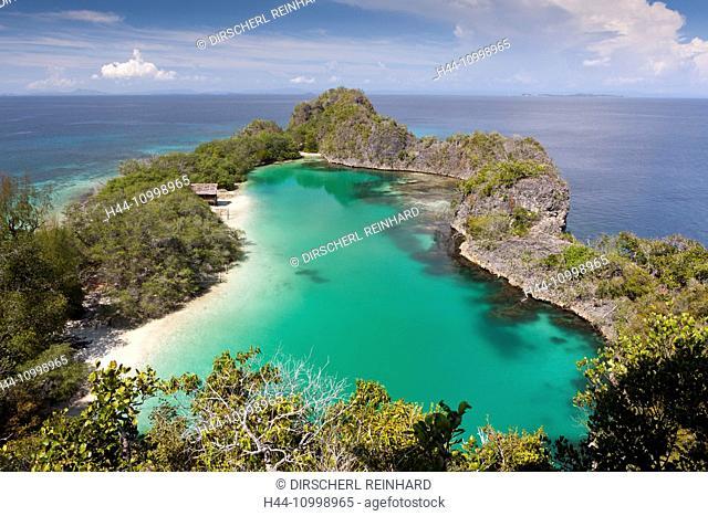 Lagoon of Rufus Bay at Fam Islands, Fam Islands, Raja Ampat, West Papua, Indonesia