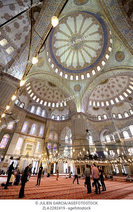 Interior of the Blue Mosque (Sultanahmet Camii). Turkey, Istanbul, Sultanahmet district